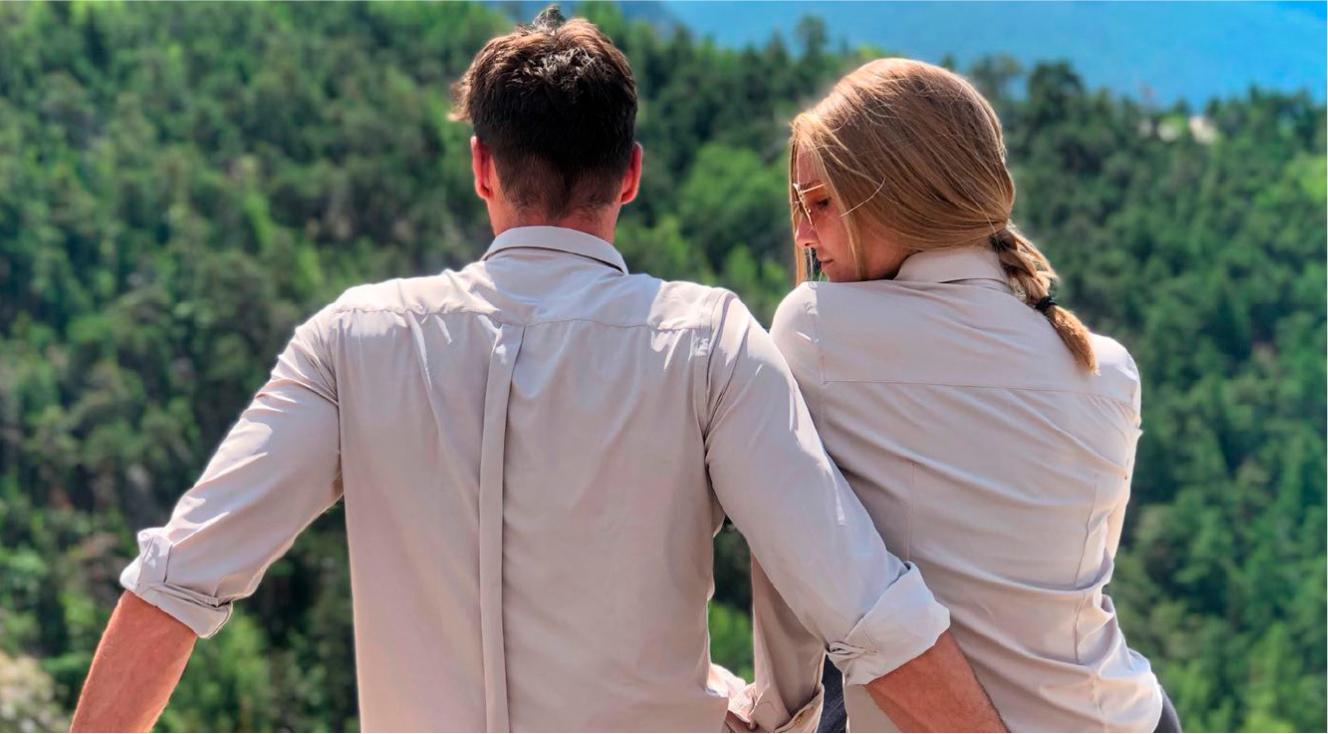 Immagine di due ragazzi che indossano una camicia no stiro WAVE Futura